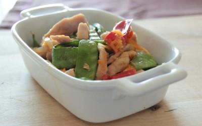 Peru Salteado com Gengibre e Legumes
