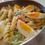 Salada de Peixe e Massa com Vegetais