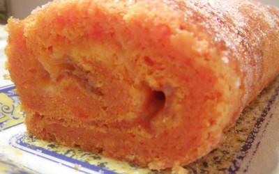Torta de Cenoura Recheada com Doce de Ovos