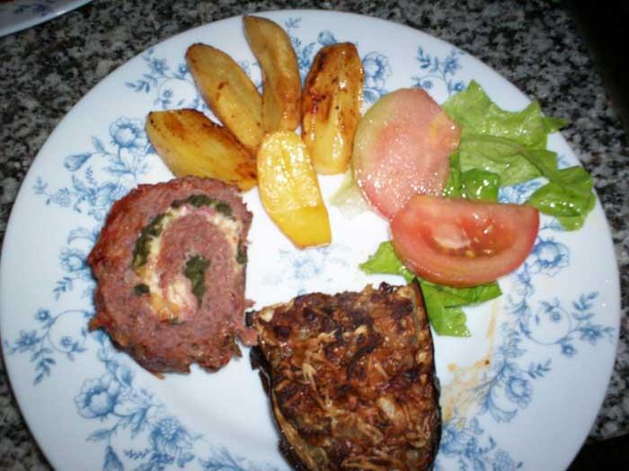 Rolo de carne com espinafres