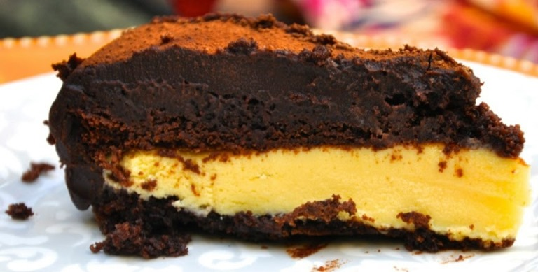 Bolo de chocolate de trufa de maracujá