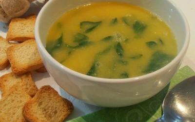Sopa de grão e espinafres