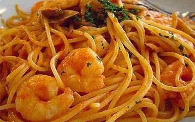 Esparguete com Camarão e Delícias do Mar