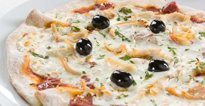 Pizza de Frango e Molho de Nata