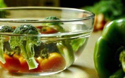 Uma forma fácil de eliminar agro-tóxicos em vegetais