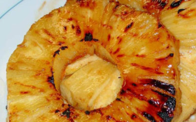 Abacaxi no forno que além de delicioso ajuda a emagrecer