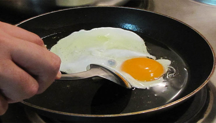 A forma mais saudável de fritar um ovo sem gordura
