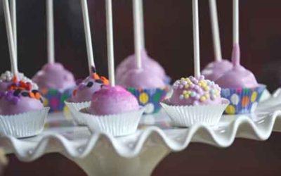 Como fazer Cake Pops (bolo no palito)