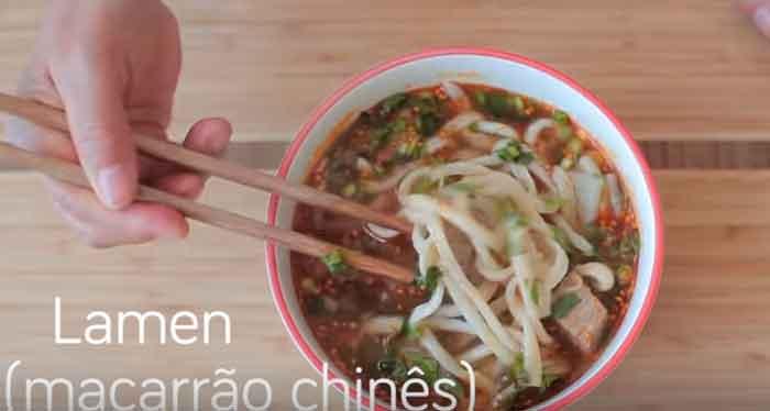 Como fazer lamen (macarrão chinês)