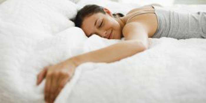 Estas 3 bebidas vão ajudá-lo a a dormir melhor e perder peso