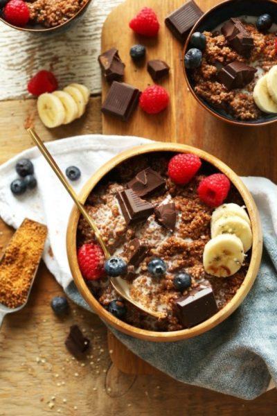 Lanche  de quinoa e chocolate