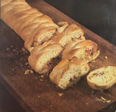 Trança de pão com presunto