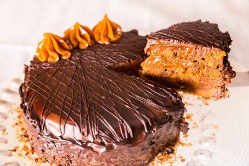 Torta brownie com doce de leite para um domingo especial
