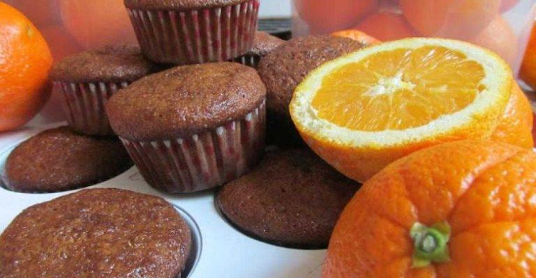 Bolinhos de chocolate e laranja