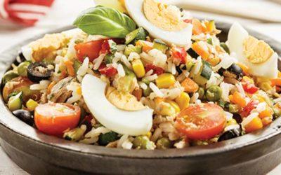 Salada fria de arroz com atum