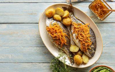 Dourada no forno com escabeche e cenoura