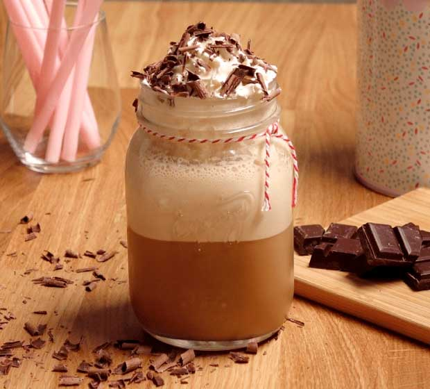 Café Frappé com Chantilly e Chocolate